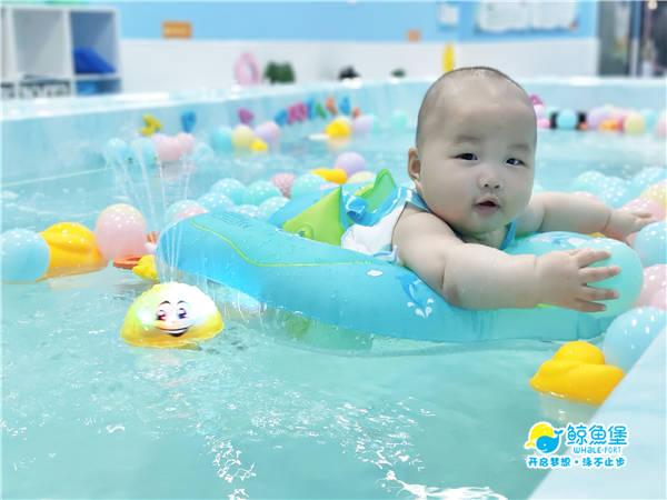 坚持参与游泳锻炼,强健体魄增强免疫,让孩子少生病!