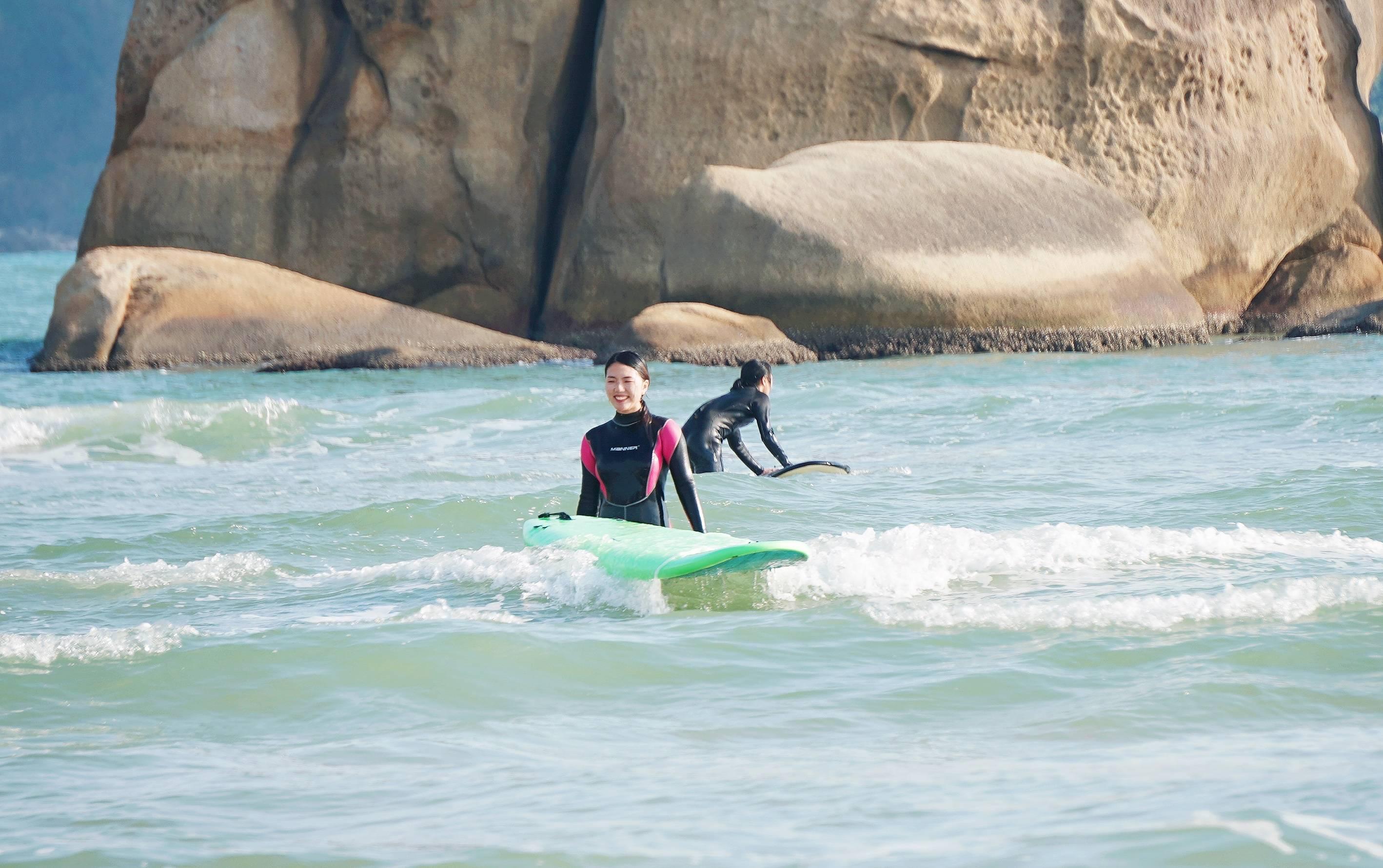 三亚后海冲浪全攻略,超适合初学者,体验冲浪的快乐