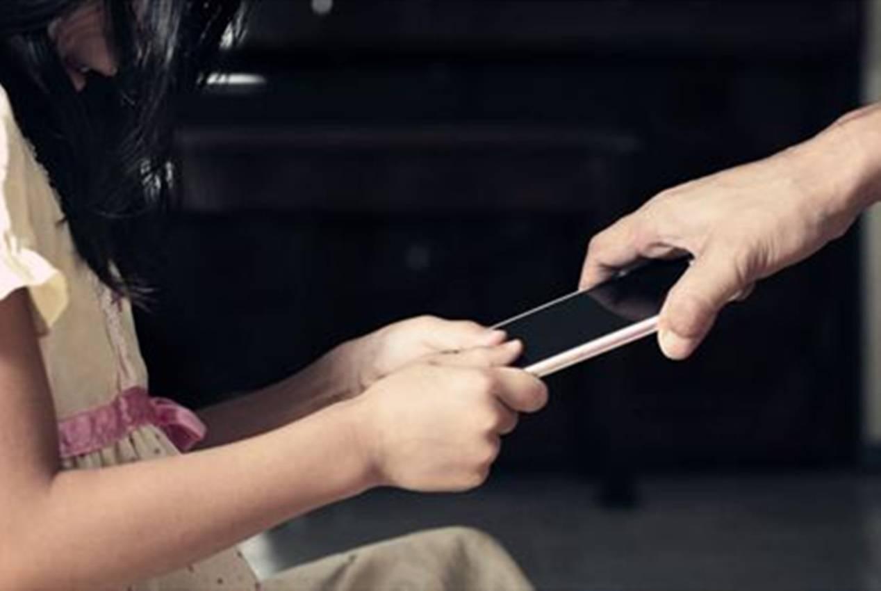 """孕期手游玩到1300关,临产被丈夫没收,气的大喊""""我不生了"""""""