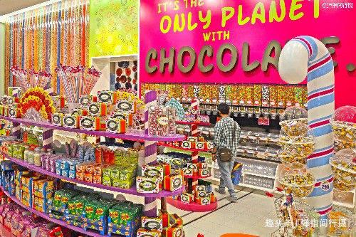 世界最大的购物中心,面积相当于200个足球场,逛完要8天8夜