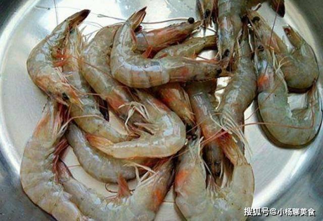 怎么保存新鲜的大虾?直接冷冻大错特错,这样保存一个月也很新鲜