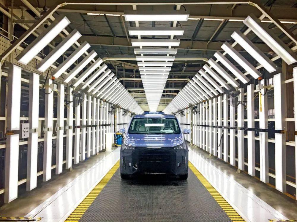 20多城抢跑氢燃料电池汽车:加氢焦虑被忽视,比电动汽车推广难度大