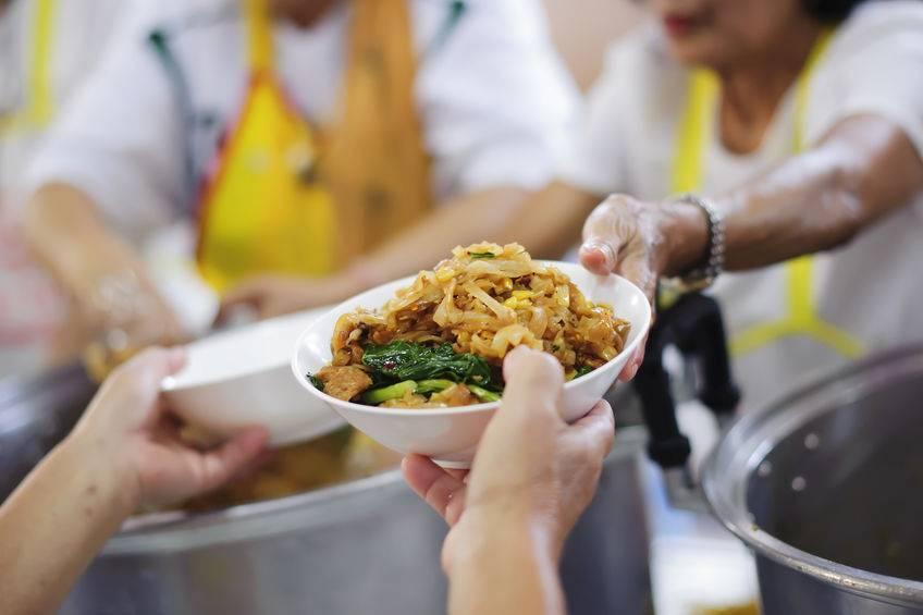 60岁老人过年吃剩菜致拉肚子身亡?节后的剩菜,又该如何吃?