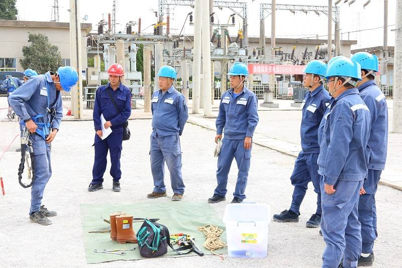 中国南方电网云南曲靖吕梁供电局对调入员工进行强化技能提升培训