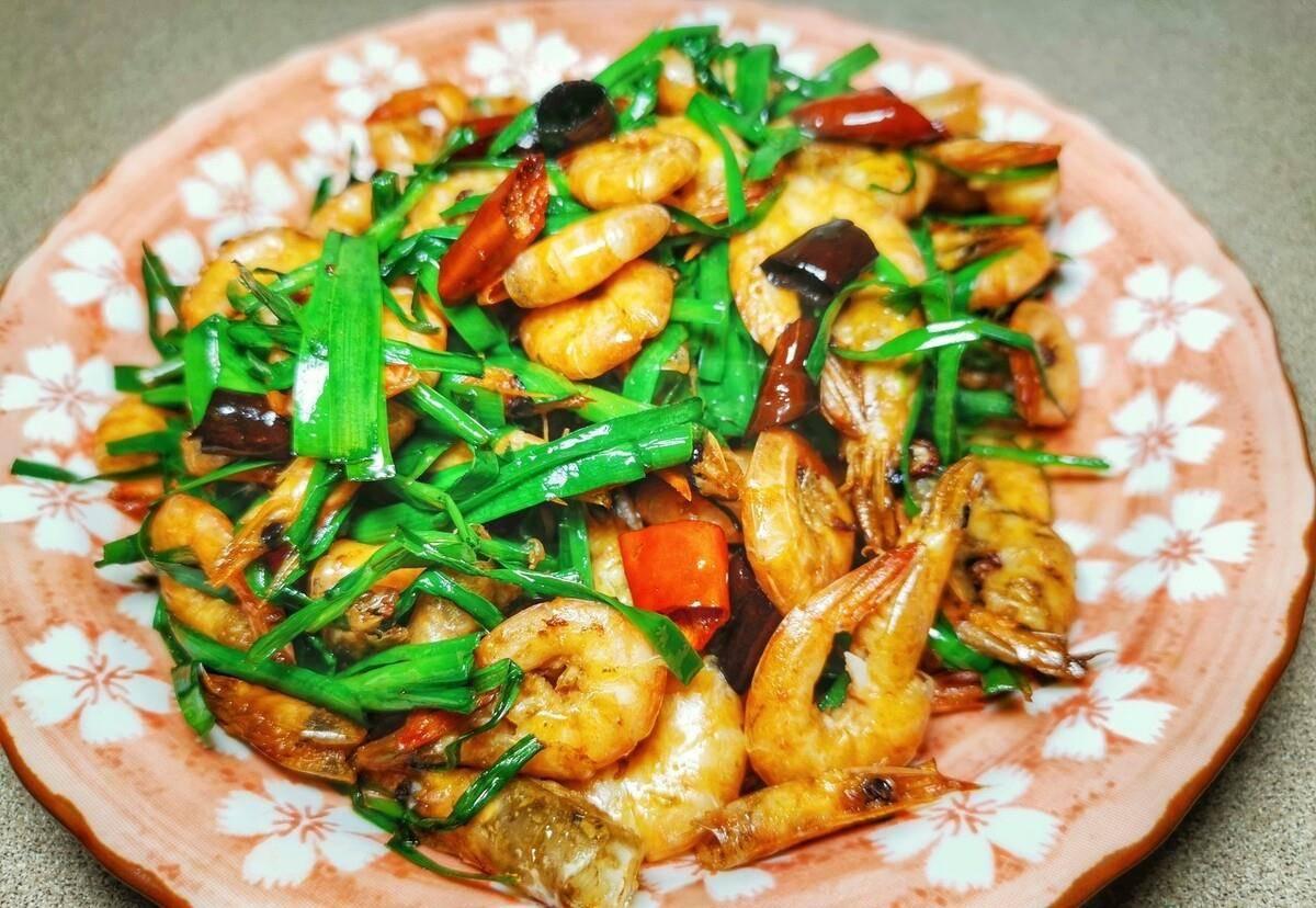 家常菜虾仁熘山药做法曝光,荤素搭配脆嫩味美,看着就直流口水  小米虾仁青菜粥的做法
