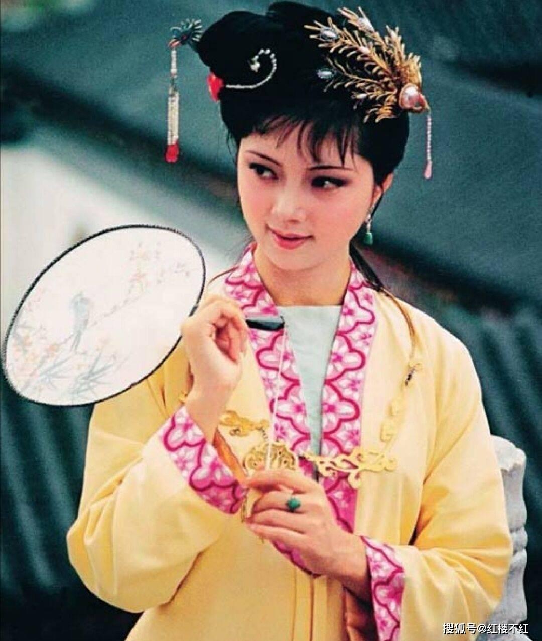 红楼梦中薛宝钗从贾府搬走之后与史湘云的关系如何? 薛家和贾家的关系