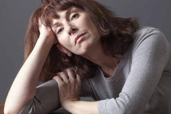 """女人雌激素不足老得快!忠告:4个坏习惯不改,雌激素要""""耗光"""""""