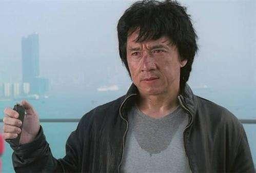 李连杰56岁太太利智近照, 身材丰满风韵犹存, 拥20亿资产定居国外