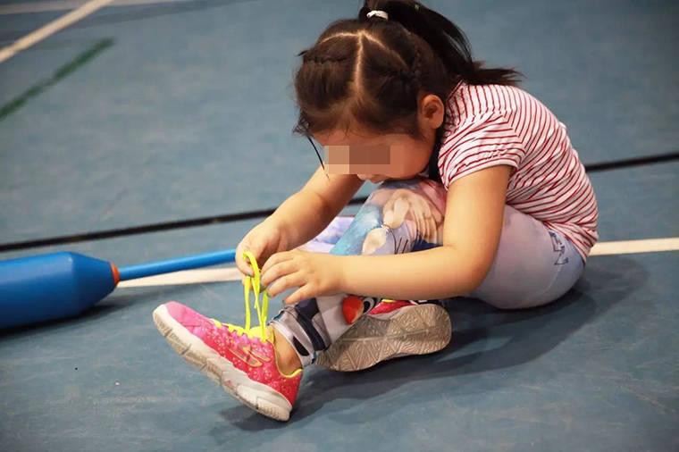 学校组织艺术比赛,全班几乎无人参加,不是孩子怯场而是压根不会