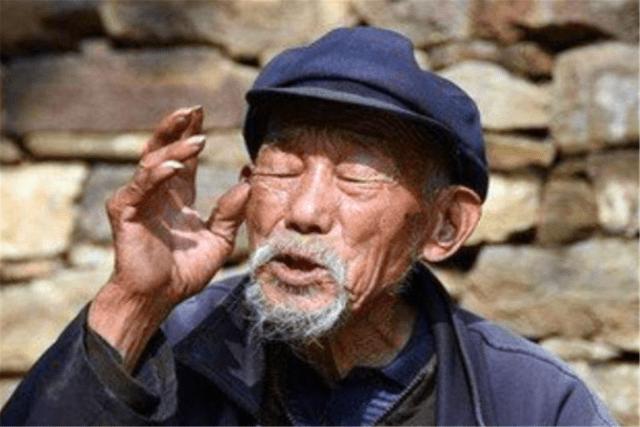 """老人讲:""""人到四十两不碰"""",后半句更是重点,人到中年不妨一看"""