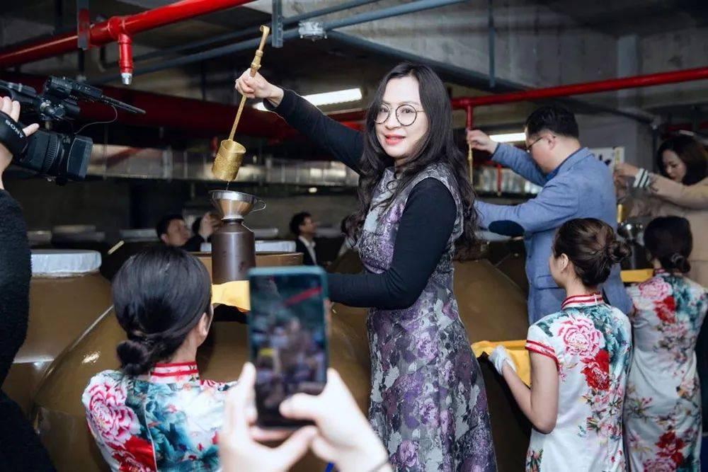 大国糖酒系列:真香现场 郎酒兑现了1361天前的诺言