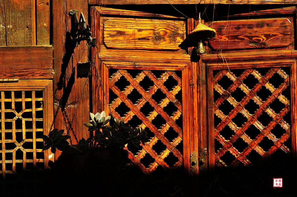 云南帕连艺术村、国殇墓园、一寨两国、大金塔、松山抗日战场文化