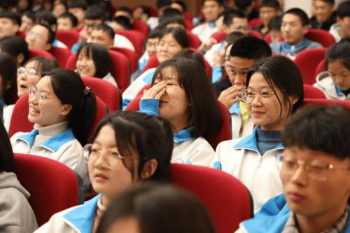 北京师范大学教训培训中心特邀讲师丁准老师,受