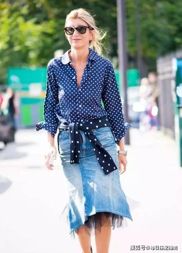 衬衫+牛仔半裙=今年春天最优雅CP,三分正式、七分休闲,照穿准美