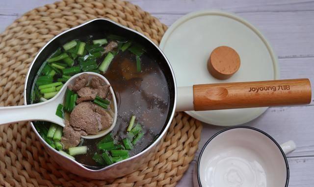 放假给家人熬一锅猪肝汤,鲜嫩不腥,缓解眼部干涩,保护视力