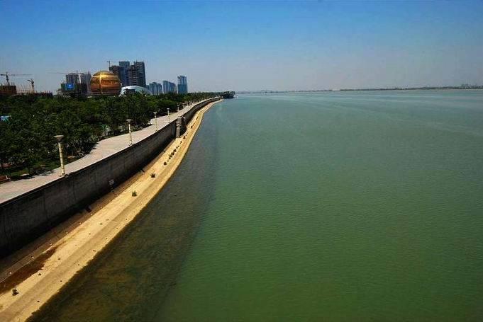 浙江杭州与河南郑州,两者2020年GDP排名情况如何?