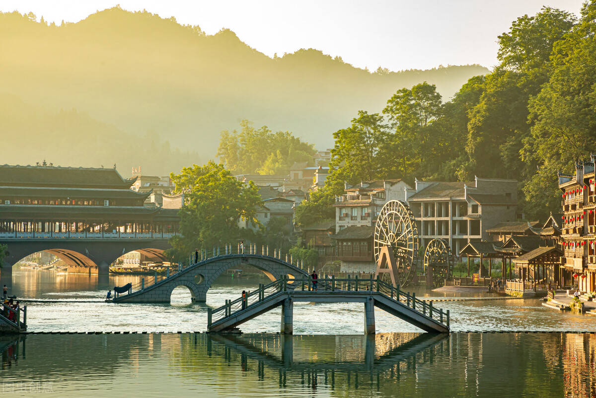"""原创             国内时光最""""慢""""的10个地方,每个都有绝色风景,你都看过吗?"""