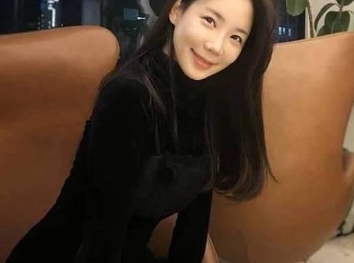 32岁电视台女主播,健身7年保养得像个少女,自称库里小迷妹!