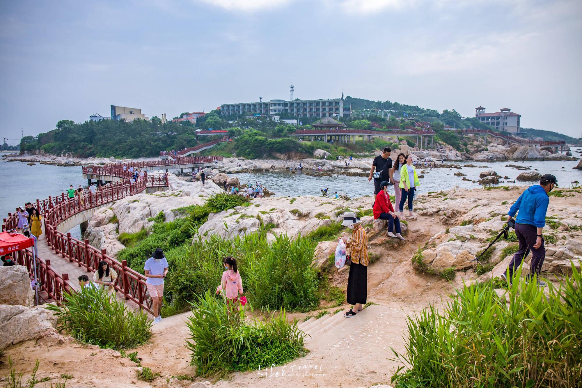 """原创             烟台这个免费的公园,""""后海""""风光不逊色于养马岛,建筑群更壮观"""