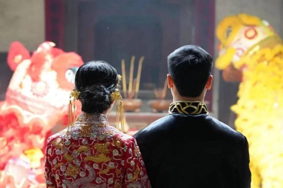 """""""两头婚""""悄然升起:婚姻不是儿戏,更不是争夺话语权工具  第2张"""