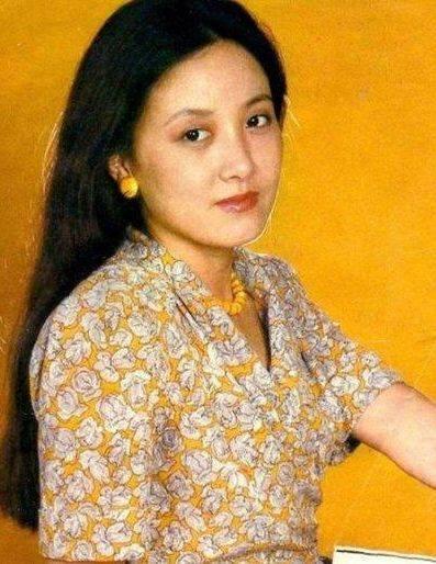 鸿图2注册邓婕前夫离婚后身价上亿?她小三上位遭张国立原配要求不许生子?60岁才当母亲 (图14)