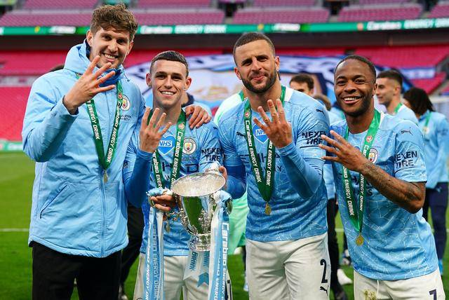 原创             联赛杯夺冠曼城却迎坏消息,队中西班牙国脚后卫已被皇马预定