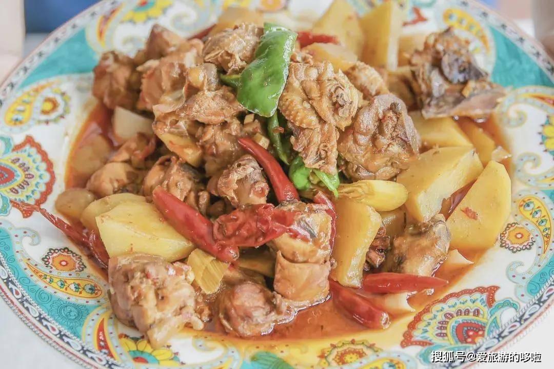 深夜慎点!烤包子、大盘鸡,没有一个胃,能逃过新疆美食的诱惑