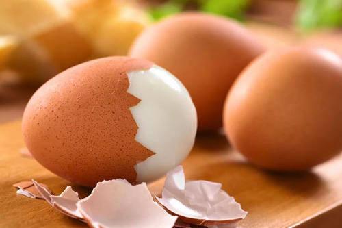 【跟着大师学保健】(1023)娜娜小喵《每天吃鸡蛋的人和不吃鸡蛋的人有明显的差距》Juli ..._图1-3