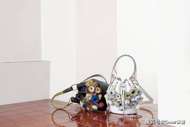 最时尚的艺术品!LOEWE与苏富比合作推出LOEWE WEAVES系列