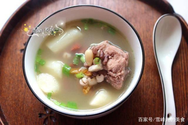 5月,多喝这个汤,一个小诀窍汤白如奶祛湿气,让小肚腩越来越小