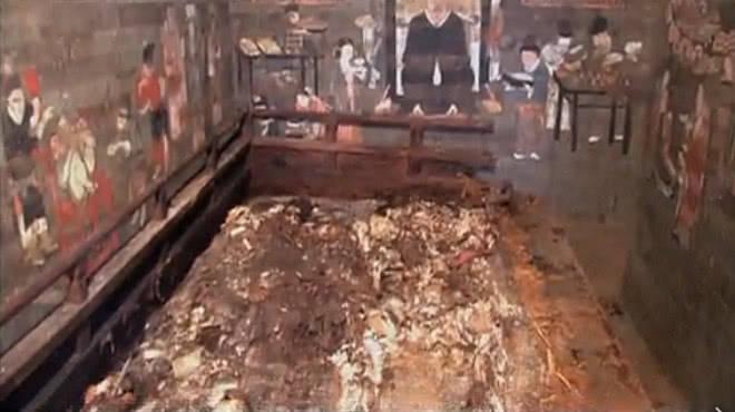 一对老外夫妻在宋朝去世,千年后墓葬被挖开,二人相拥而眠