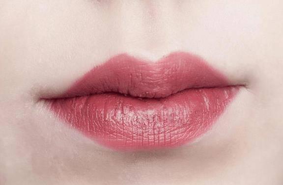 心理测试:四个嘴唇,哪个最像你的?测出你靠什么才华吃饭!