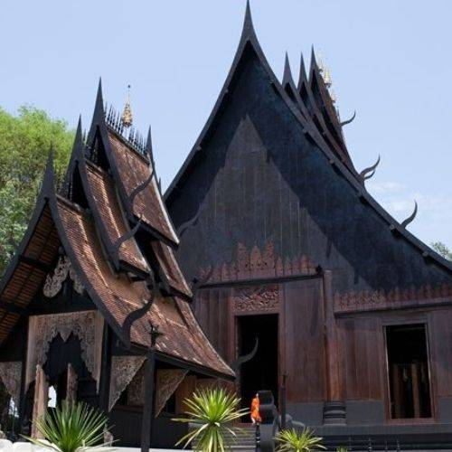 """泰国最诡异的""""寺庙"""",不供奉佛像,却摆满了动物标本!太阴森!"""