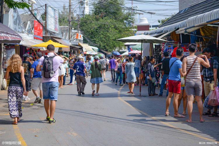 全球最大的跳蚤市场,1.5万个摊位逛完要两天,堪称平民淘宝天堂