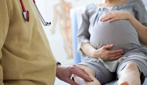 懷孕三個月, 肚子卻比八個月的還大 醫生的建議, 被孕媽果斷拒絕