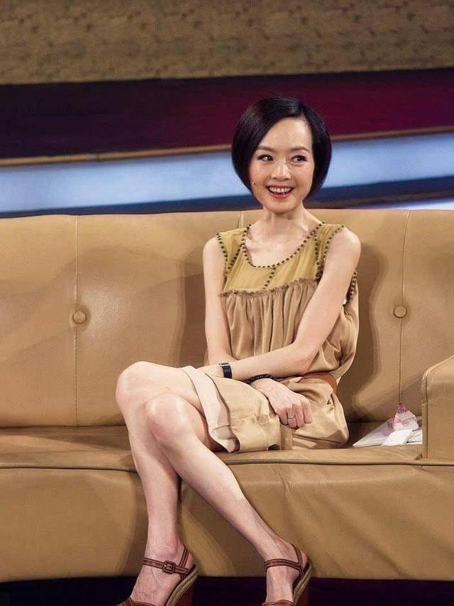 """韩国""""夜店女王""""金太珠,性感身材打破常规,微胖也很美"""