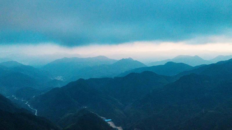 福建避暑去哪?这里能看到高山峡谷,又能欣赏天池草原,你去过吗