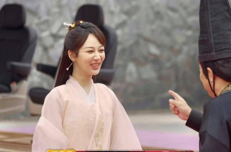 《萌探》演《庆余年》,张若昀李沁本色出演,杨紫扮演的角色亮了