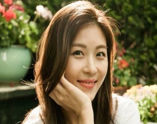 《色即是空》:女主如今的樣子依然美麗,40歲的她美麗不減當年?