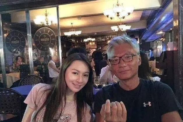 """他曾是香港""""第一美男"""",林青霞也追求过她,晚年却被妻儿抛弃"""