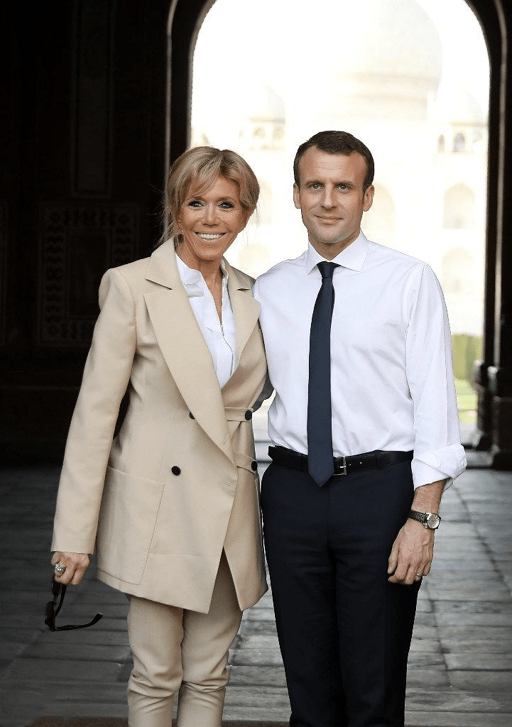 50岁女人别总披头散发,夏天学会法国夫人这3款扎发不仅凉快还显年轻