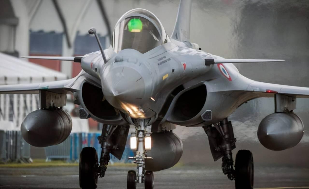"""苏-35战斗机在印尼被法国阵风""""击落"""",俄罗斯大失所望"""