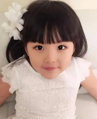 10歲王詩齡拍廣告,被網友吐槽:小公主怎麼越來越胖了?
