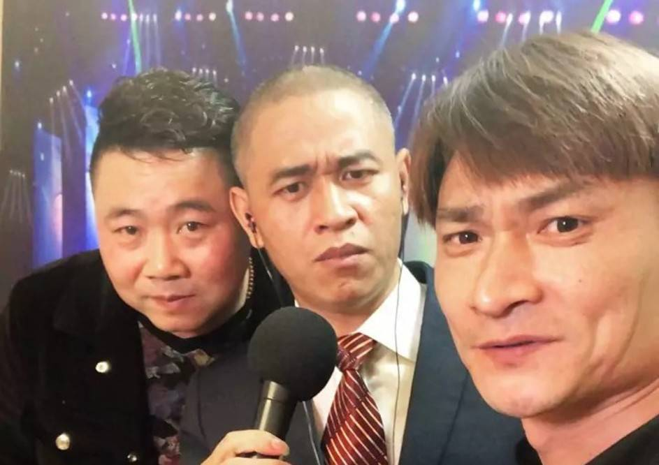 網路版周杰倫和周華健賣萌走紅,靠著明星臉他們日賺鬥金?