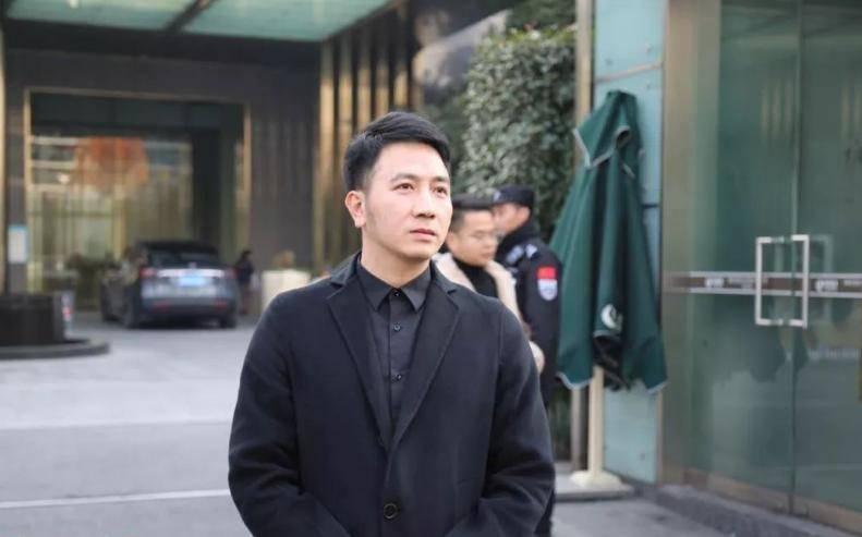 林生斌4岁儿子被石锤,律师辟谣却漏洞百出,只有郭德纲说了实话