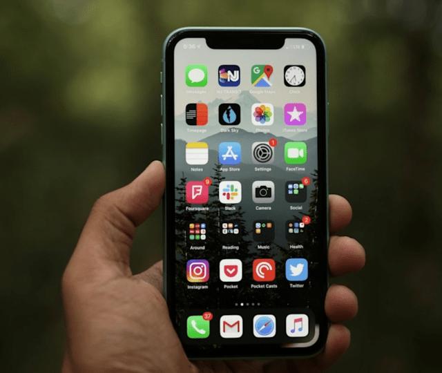 别再等iPhone13,老旗舰iPhone 11重回新低价,128GB版售价亲民