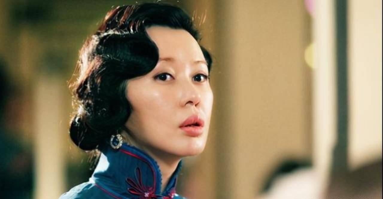 """她叫余男,一个出道10年,拿了8个影后的""""不知名女演员""""!"""