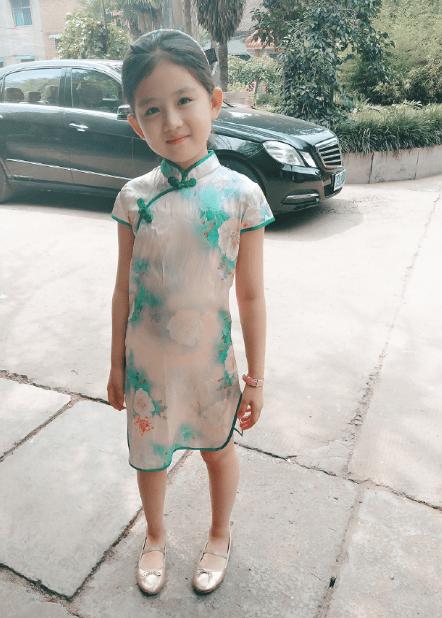 整个娱乐圈在等她长大,也许她就是下一个杨幂和赵丽颖