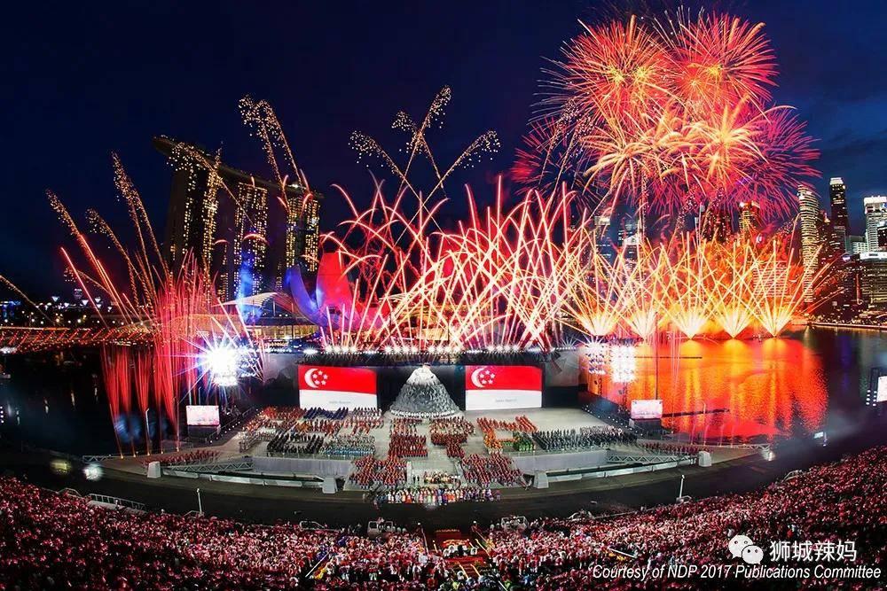 没有烟火!没有跳伞!庆典延期!这不平凡的56岁,祝新加坡生日快乐!