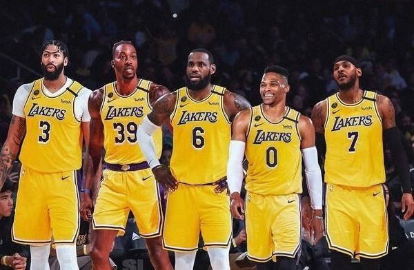 &NBA历史得分榜前十中7人曾身披湖人战袍,现役前5得分手湖人占3席_安东尼